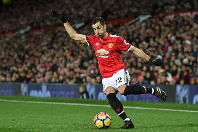 Manchester United's Armenian midfielder Henrikh Mkhitaryan controls the ball during the English Premier League football match between Manchester United and Southampton at Old Trafford in Manchester, north west England, on December 30, 2017. / AFP PHOTO / Oli SCARFF / RESTRICTED TO EDITORIAL USE. No use with unauthorized audio, video, data, fixture lists, club/league logos or 'live' services. Online in-match use limited to 75 images, no video emulation. No use in betting, games or single club/league/player publications.  /